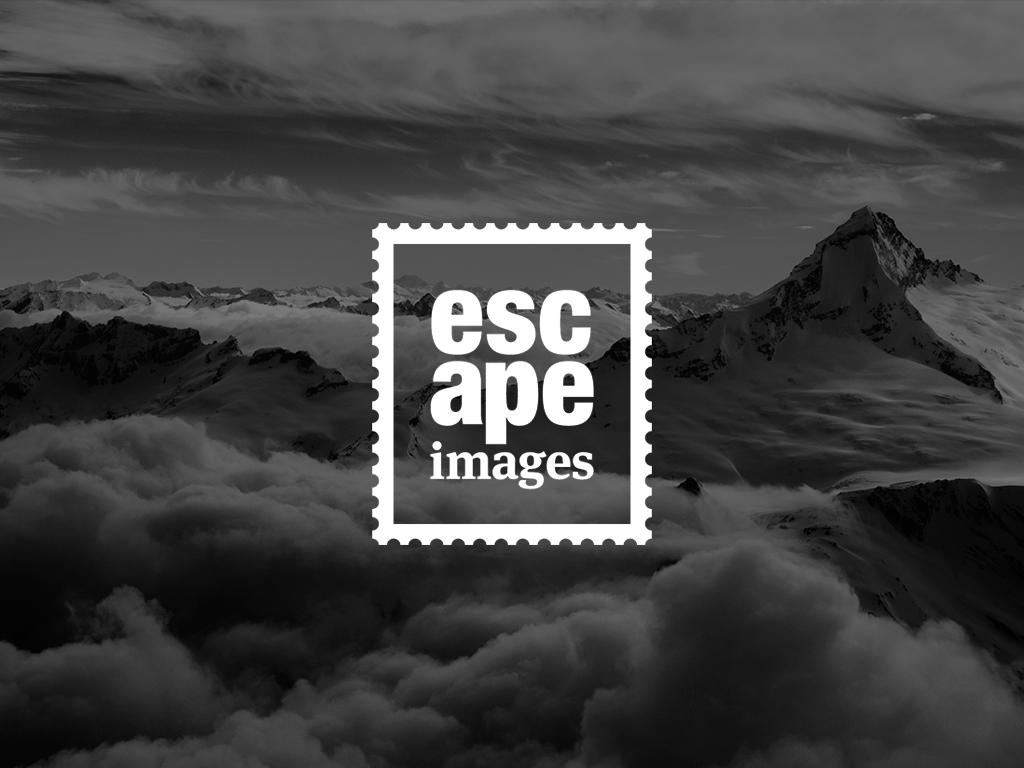 Escape Images Logo